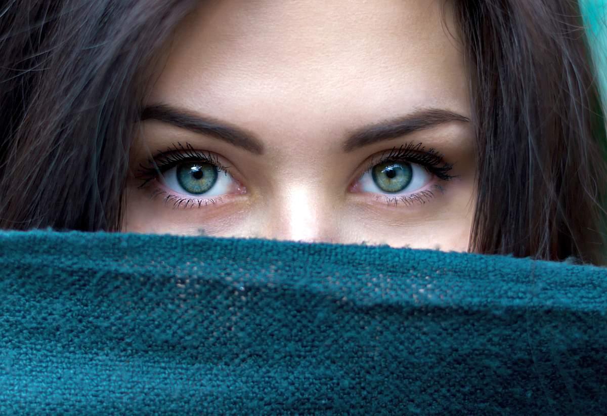 Wie du dunkle Augenringe reduzieren kannst