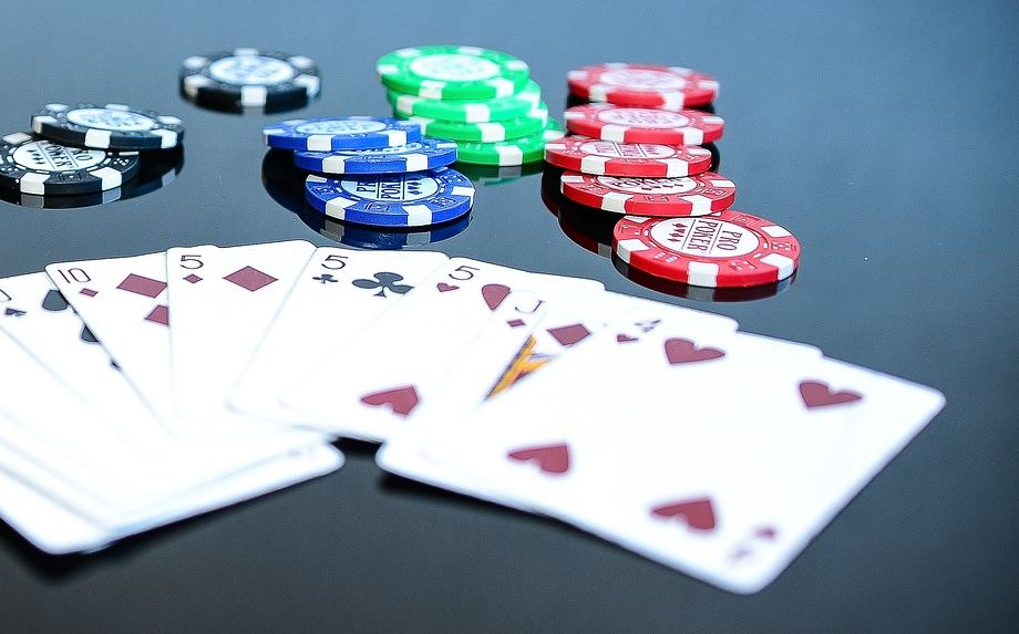 Poker Turniere versus Cash Poker Spiele